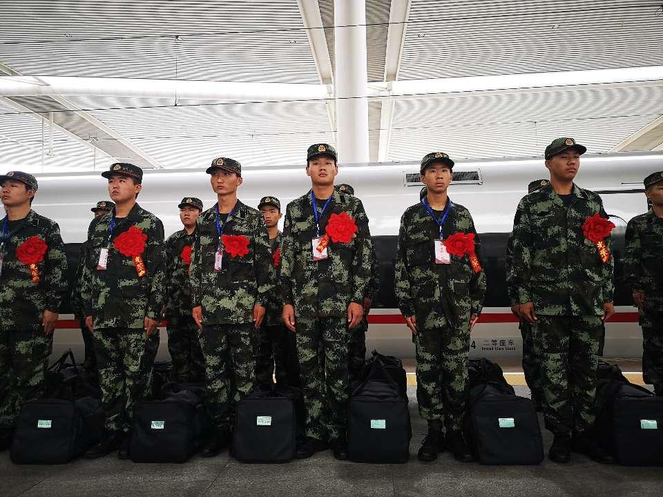 山东省暨济南市新兵欢送仪式举行