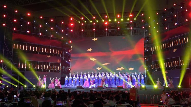 """""""我的祖国""""乔羽作品演唱会在济宁任城举行"""