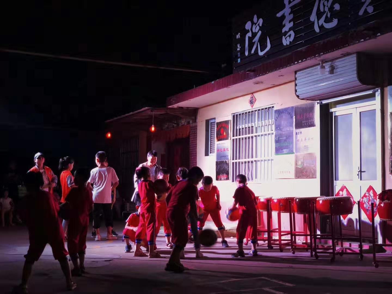 潍坊高密有个农家书屋,创办人李济远:给孩子更多陪伴