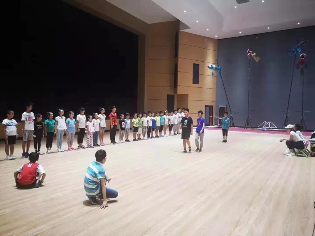 演绎经典课文!《神奇教科书·丰碑》舞台剧9月16日首次公演