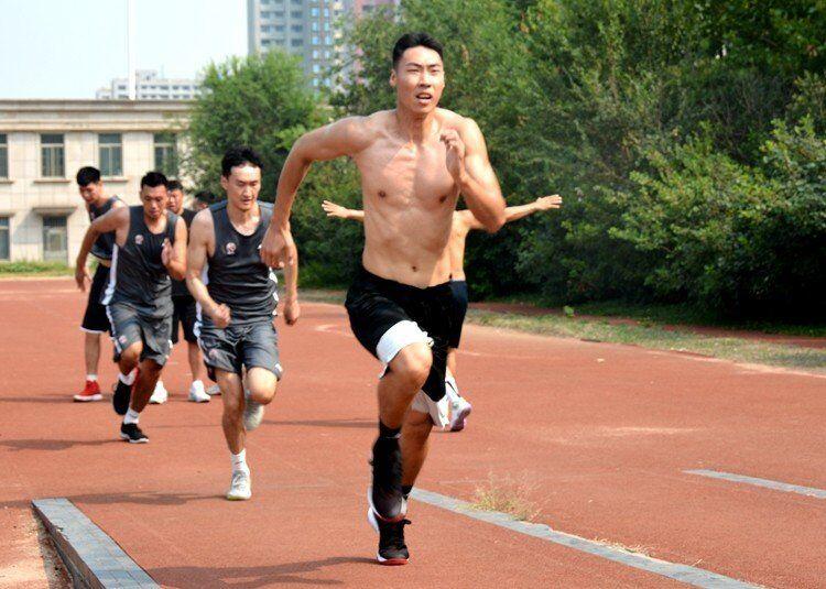 山东男篮抵达贵州 热身赛赛程出炉