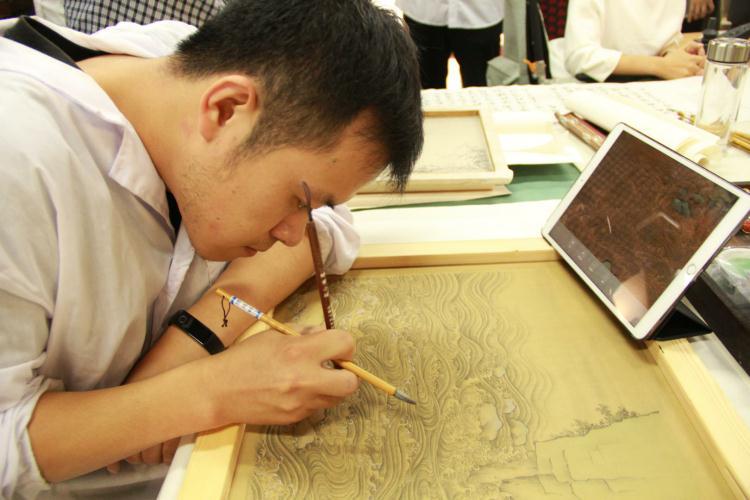 全国近300名文物修复师齐聚潍坊 交流研讨馆藏文物保护修复
