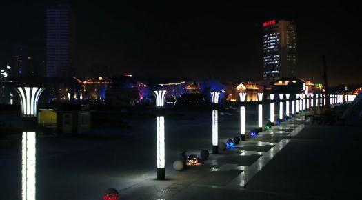 20秒丨投资2.6亿元!烟台滨海建筑群灯光秀扮靓城市夜景