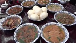 """28秒 聊文化、悦旅'城'!来临请必吃美食""""八大碗"""",看着都要流口水啦"""