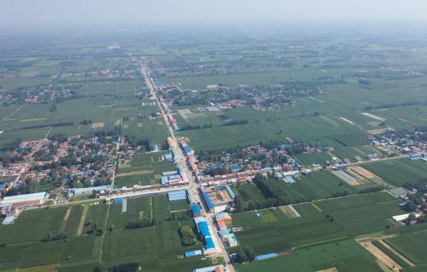 61秒  曹县:从3户村民开网店到电商年销售额突破200亿