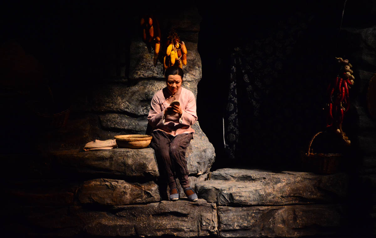 专访歌剧《沂蒙山》主演王丽达:为演好人物专门学习纳鞋底