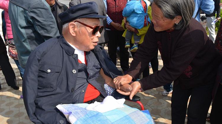 """【记者手记】""""人民楷模""""朱彦夫:""""他是一位真正的共产党员"""""""