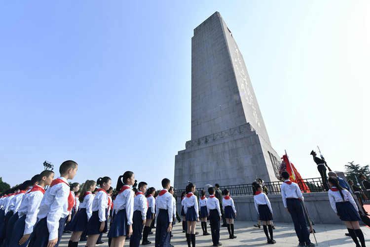 缅怀英雄!山东省、驻济部队暨济南市隆重举行公祭烈士活动
