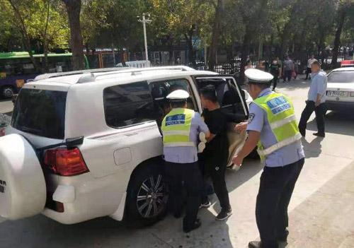 国庆假期首日 滨州两地区县交警接力救助病人