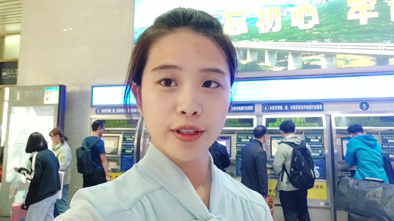 "Vlog丨假日返程遇上气温""跳水""!记者济南站探路,返程高峰开启"