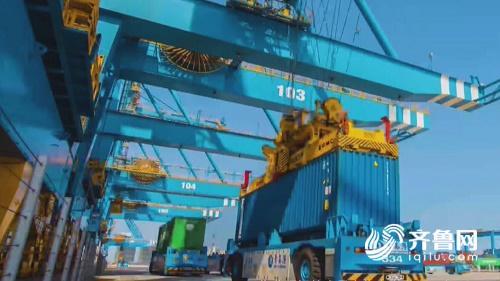 揭秘亚洲首座全自动化集装箱码头:1个监控员取代9个码头工人