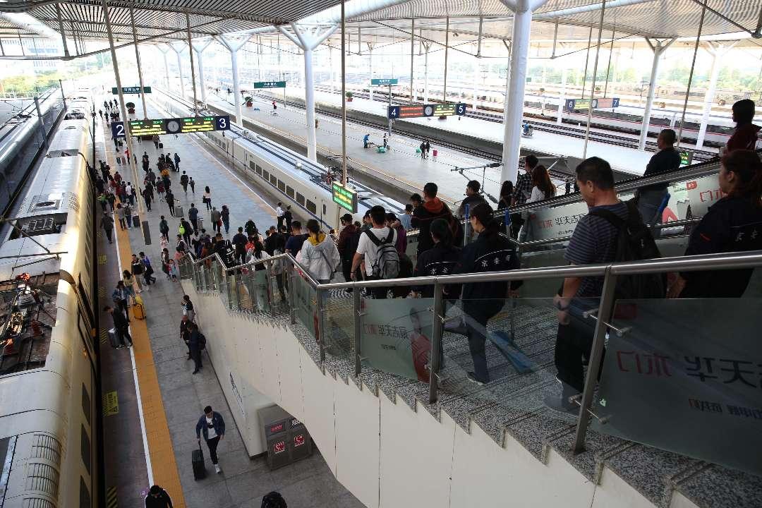 出行预警!济南西站迎返程客流高峰 部分方向车票售罄