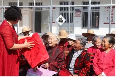 54秒丨浓浓敬老情!枣庄这个村连续八年给80岁以上老人过重阳节