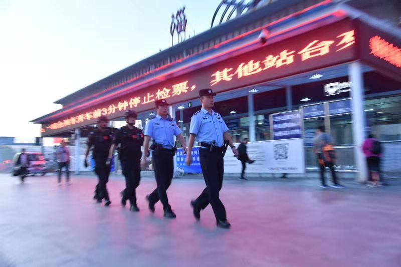 群众活动及景点安全有序 淄博公安圆满完成国庆安保任务