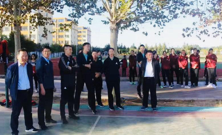山东女排走进校园助力排球发展