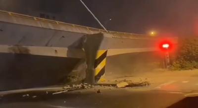 注意绕行!无锡312国道高架桥突然垮塌,车辆大量积压