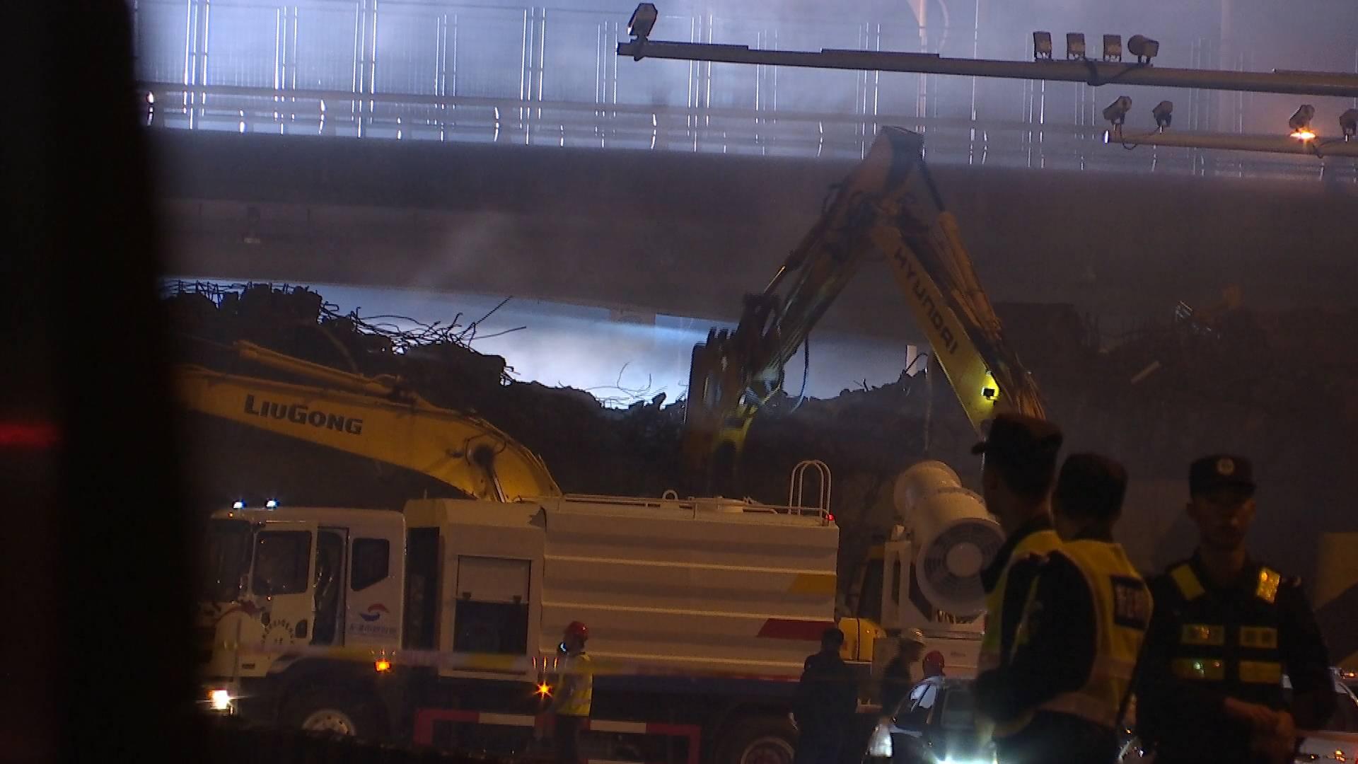 87秒丨无锡跨桥侧翻事故后的22小时,都发生了什么?