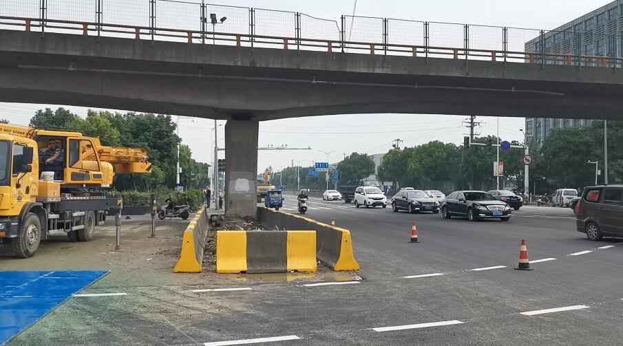 闪电新闻直击丨无锡跨桥侧翻救援结束交通管制今早结束