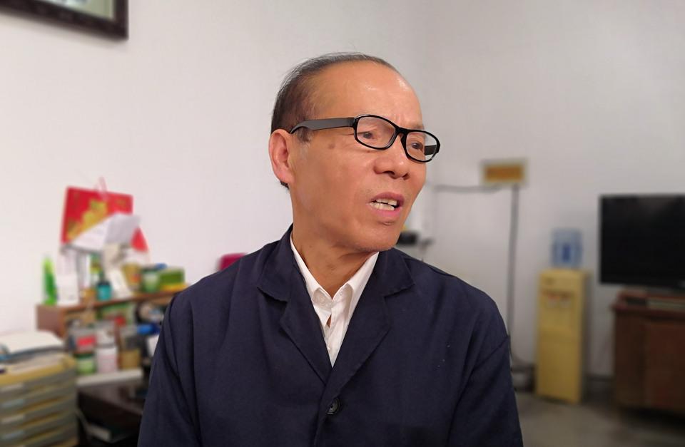 """团委书记退休""""转行""""做起修理工 赵启江为何闲不住?"""