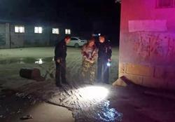 44秒|聊城一在逃人员从自家房顶看到警车 仓惶跳房逃窜