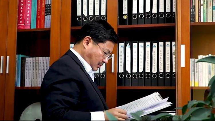 时代风采—委员履职进行时丨刘永国:雄关漫道真如铁