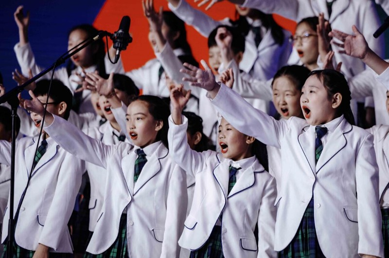 """""""美丽中国梦""""合唱音乐会和""""时尚之光""""艺术展演闪耀艺博会"""
