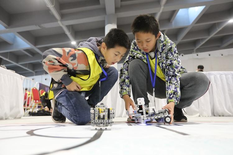 组图丨少年与机器人共舞 世界教育机器人大赛选手风采回顾