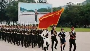 76秒丨驻香港部队三军仪仗队队长交接,他落泪那刻,网友看哭了……