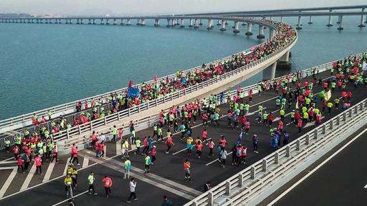 受2019青岛海上马拉松比赛影响 11月3日青岛4条公交线路进行调整