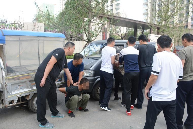 """偷3162个暖气阀,案值数百万,济南这仨""""装修工人""""被抓"""