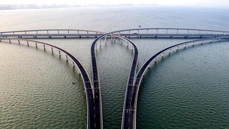 """官方回复!胶州湾大桥降费暂时仅支持""""点对点""""通行的一类客车"""