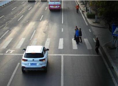 整治交通陋习倡导文明出行 淄博公安交警查处各类违法行为12797起