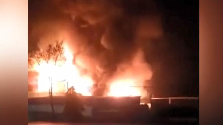 19秒丨邹平一公司车间着火 目前已扑灭 无人员伤亡
