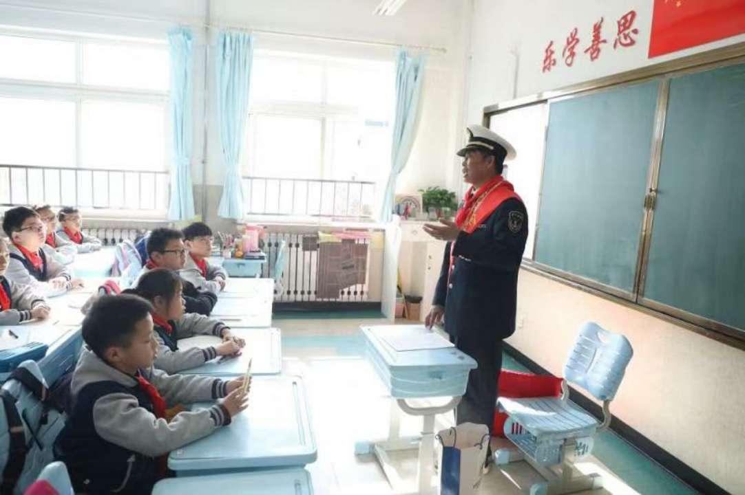 """青岛:中小学""""十个一""""行动助力学生全面发展"""