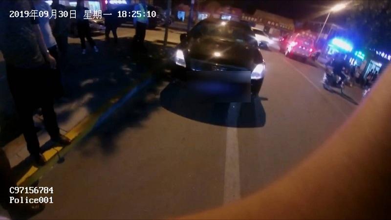 56秒丨招远一司机撞人后逃逸,5天前刚因肇事逃逸拘留后释放