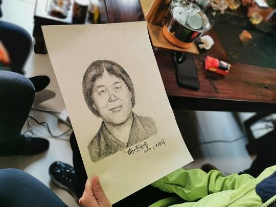 """74秒丨""""梅姨""""新画像作者方发声:今年三月曾受邀赴广州协助警方画像"""