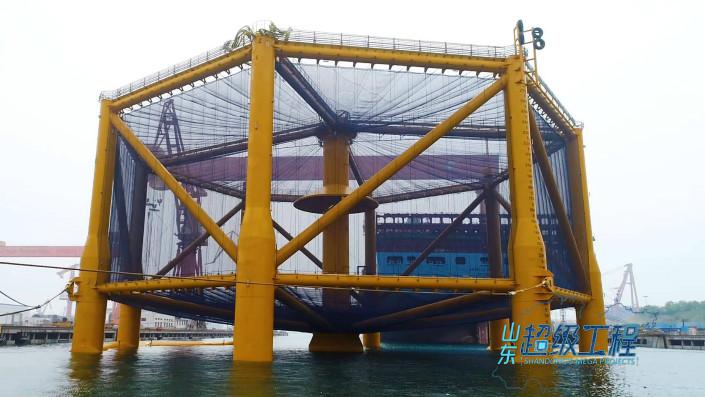 """这就是山东丨开创养殖三文鱼先河 """"深蓝一号""""助力中国海洋渔业走向深蓝"""