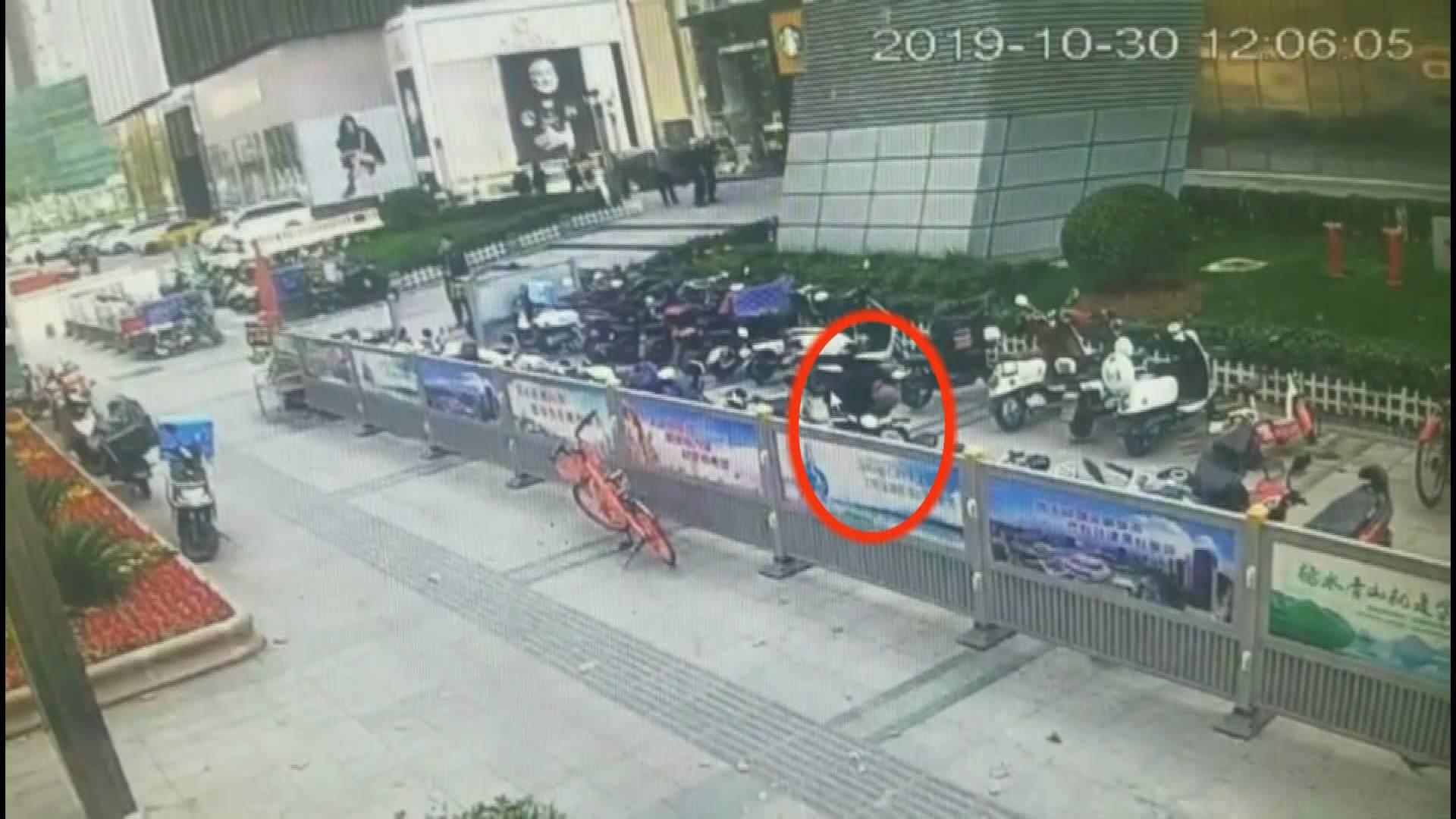 男子频频来济盗窃名牌山地自行车 暴力开锁后直接骑到物流公司发货