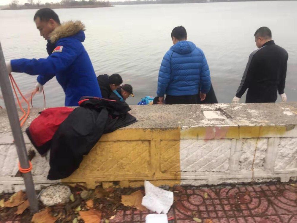 滨州蒲湖内打捞起一95后男性溺水者 案情正在调查中