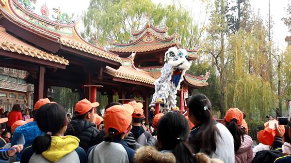 台儿庄古城冬季旅游吸引游客纷至沓来 年文化产品实现开门红