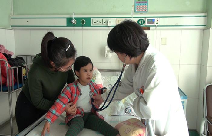 """济南部分医院儿童感冒""""扎堆 """" 流感高发季孩子该如何防范"""