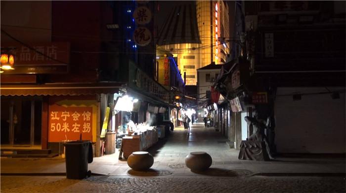 """问政山东丨半数商户关门 青岛劈柴院的冬季有点""""冷"""""""