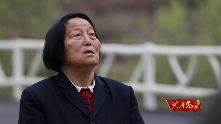 """骑驴出村,到哥本哈根开会!她为中国""""男女平等""""迈出历史性一步"""
