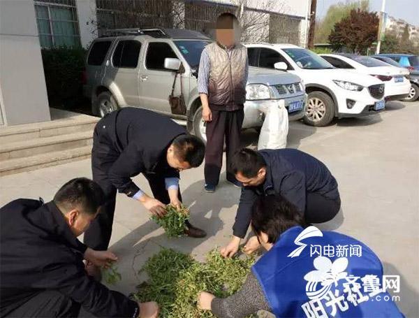 4禁毒民警对嫌疑人依法处理.jpg.jpg
