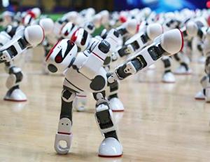 赛前探访丨听说有108个机器人表演,萌萌哒