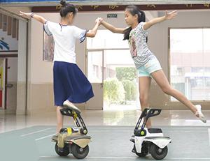 舞蹈、过栏、足球...德州小学生玩转机器人