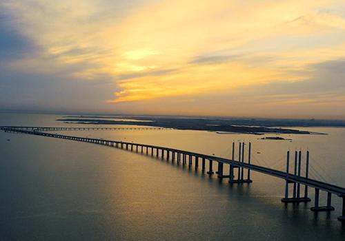 77秒瞰世界最长跨海大桥 为超级工程点赞