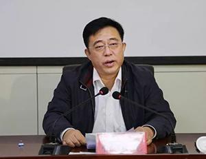 临邑县委书记林春元到八里社区宣讲党的十九大精神