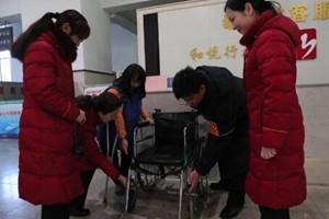 """新春走基层丨""""瓷娃娃""""当起志愿者 泰山站上演暖心一幕"""