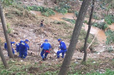 潍坊临朐小女孩被山洪冲走:18时遗体被打捞上岸